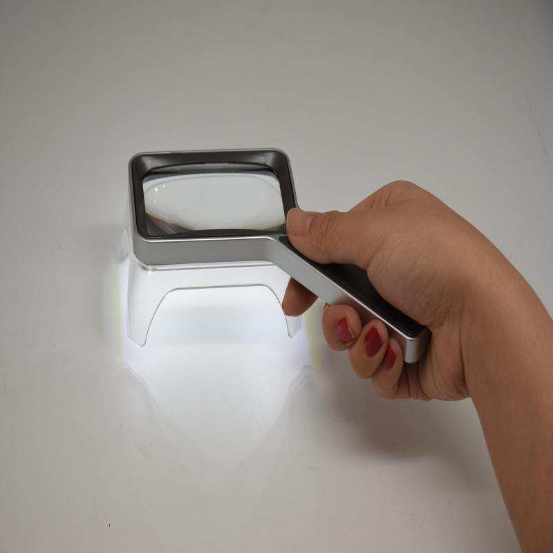 LED充电放大镜 Smolia GOLF